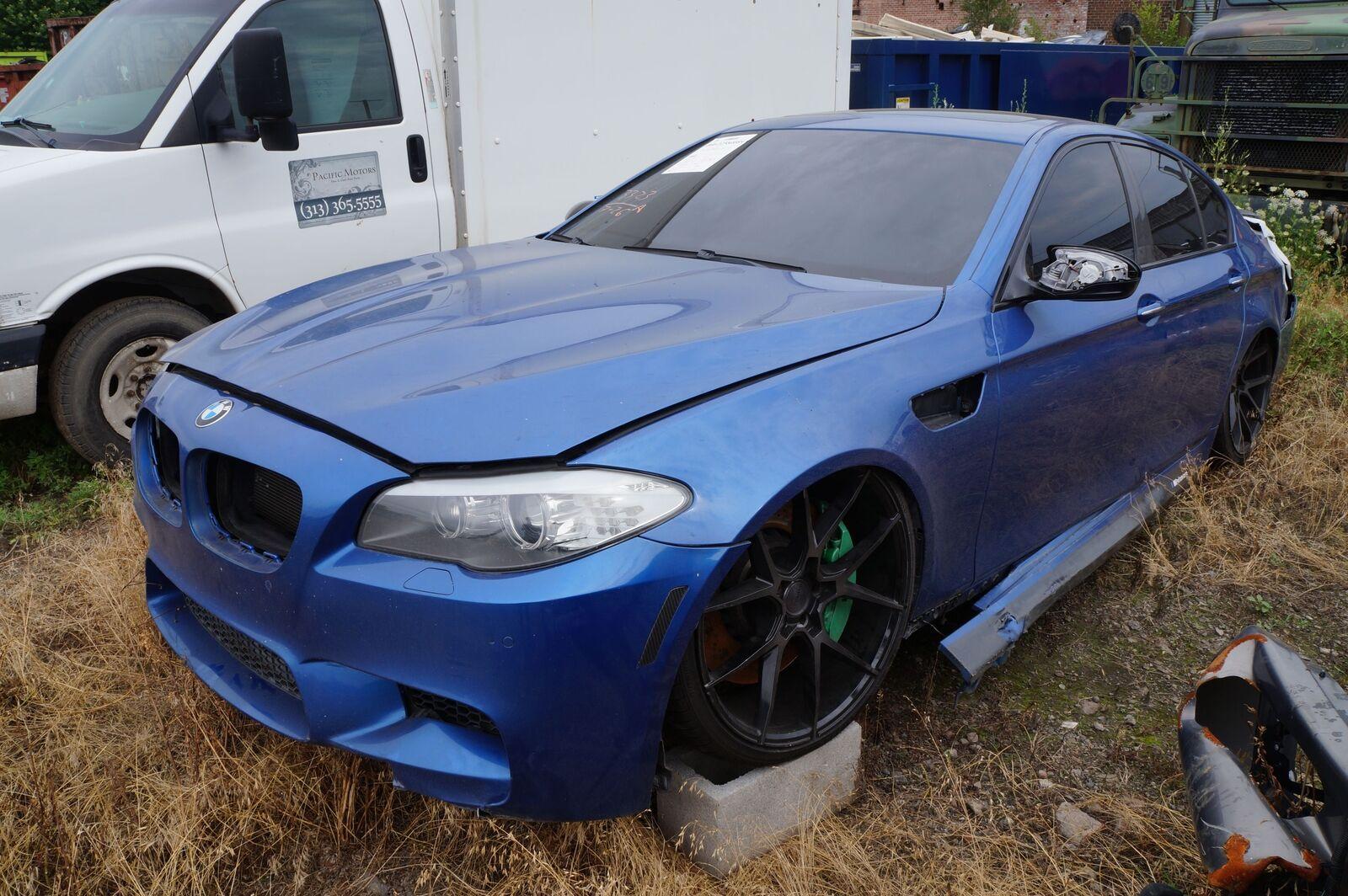 Front Power Distribution Fuse Box 61149252815 OEM BMW M5 ...