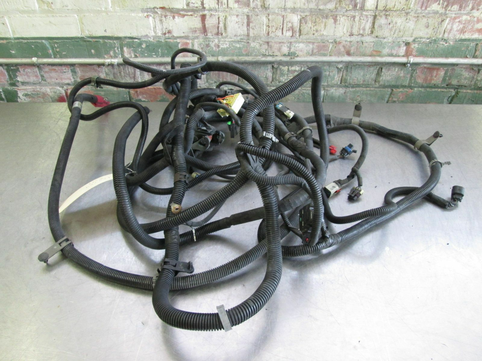 hight resolution of body chassis wiring wire harness 6 0l v8 ls2 4at 4l65e m32 chevrolet 4l60e wiring harness kit 4l65e wiring harness