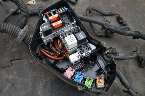 small resolution of engine fuse box