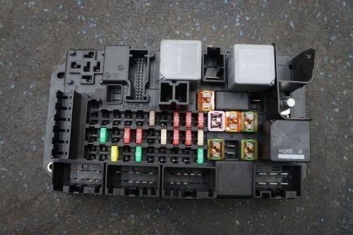 small resolution of rear quarter fuse box block dw9314n030ab jaguar xj x351 2013rear quarter fuse box block dw9314n030ab jaguar