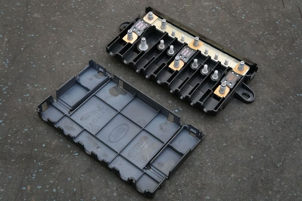 medium resolution of electrical fuse terminal junction box