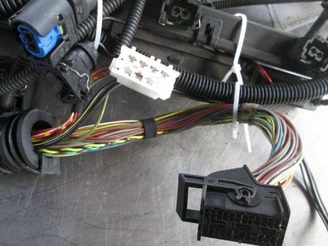 engine wiring wire harness 2 5l 12513425810 bmw x3 e83 2004 rh pacificmotors com 2007 BMW X3 Interior 2004 BMW X3 Problems