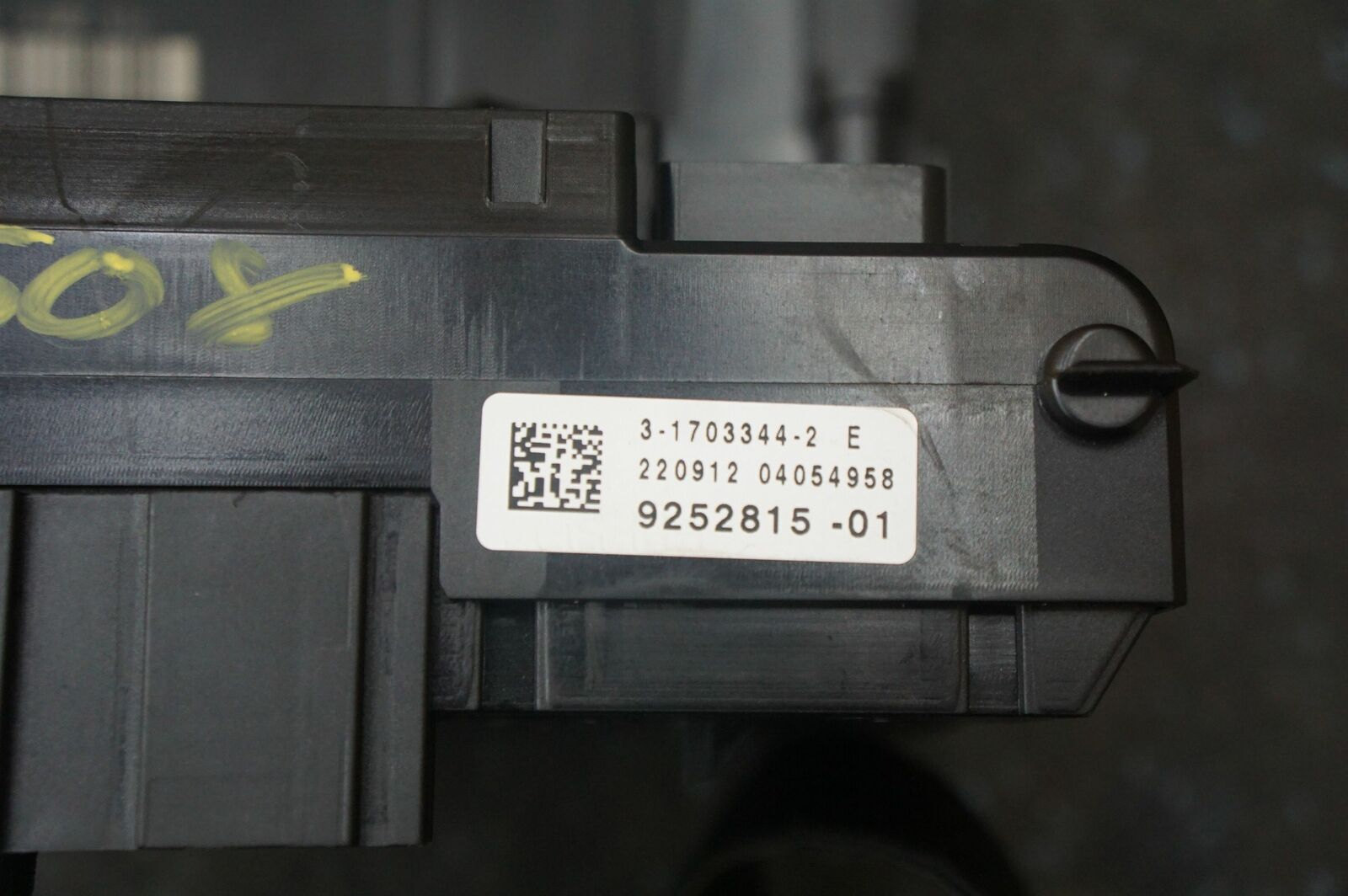 hight resolution of front body control module fuse box block 61356823587 bmw f12 6 series