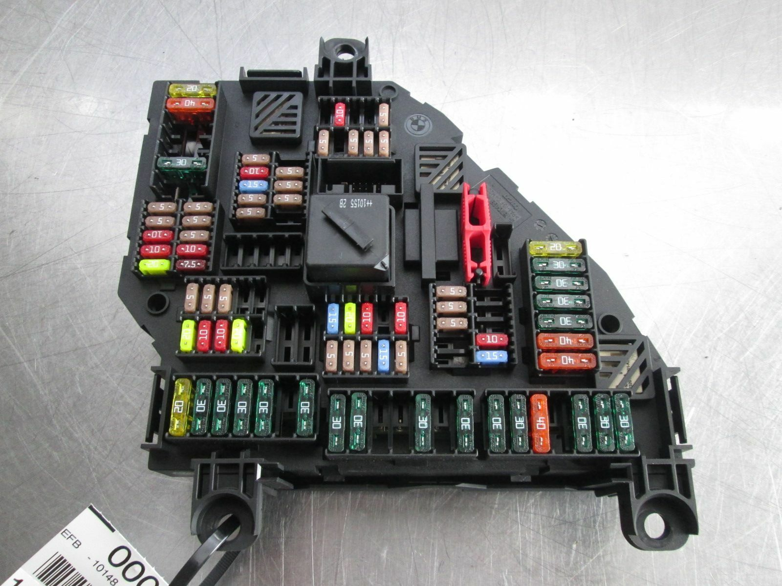 hight resolution of rear trunk power distribution fuse box