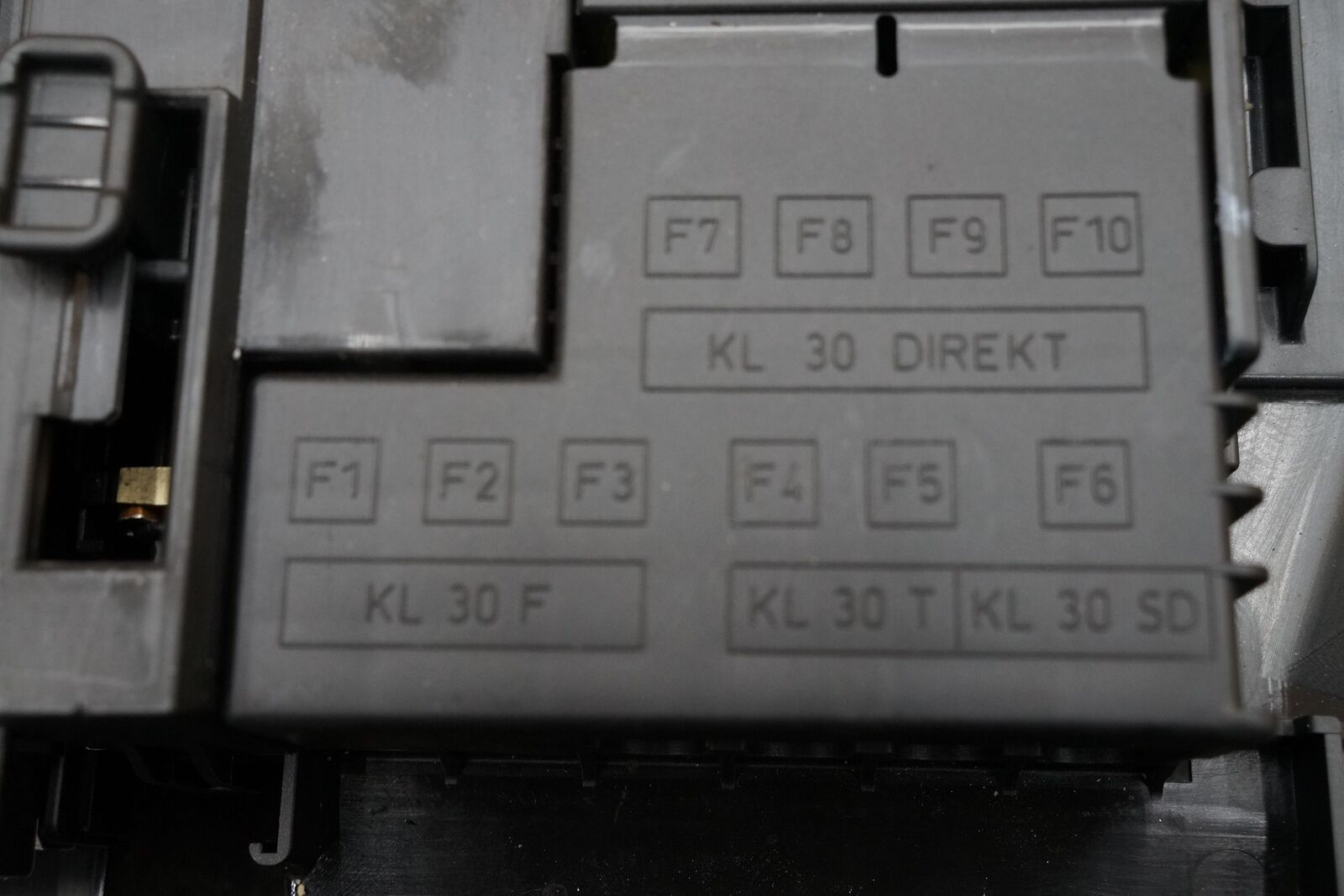 hight resolution of porsche cayenne  fuse box