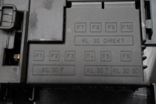 small resolution of porsche cayenne  fuse box