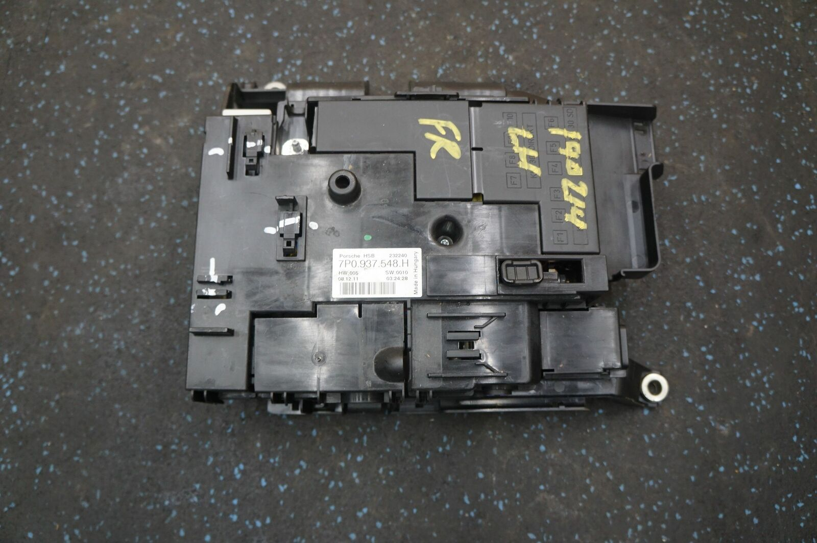 hight resolution of front fuse box power distribution block 7p0937548 porsche