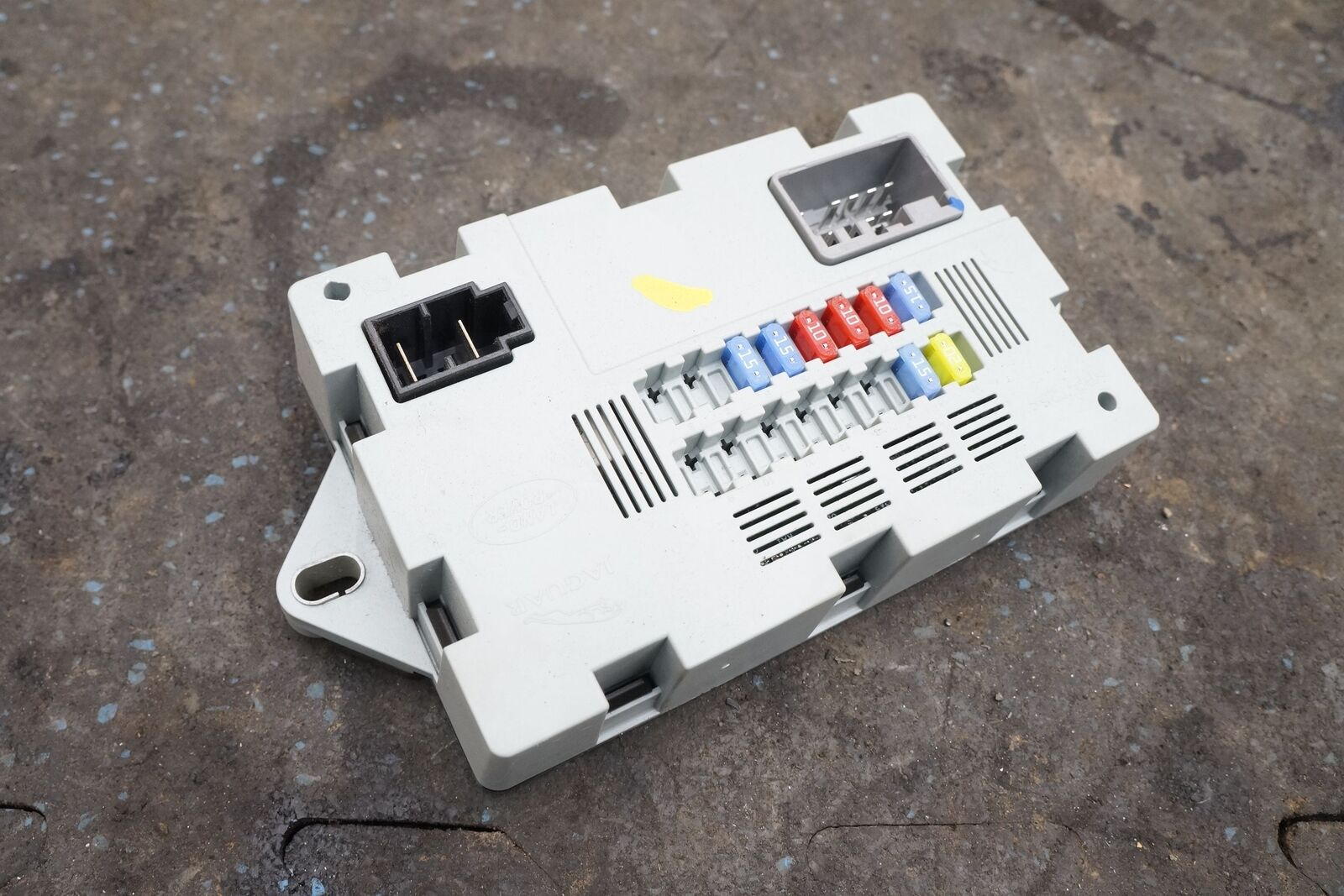 Rear Luggage Compartment Cabin Fuse Box Lr041091 Oem Range Rover