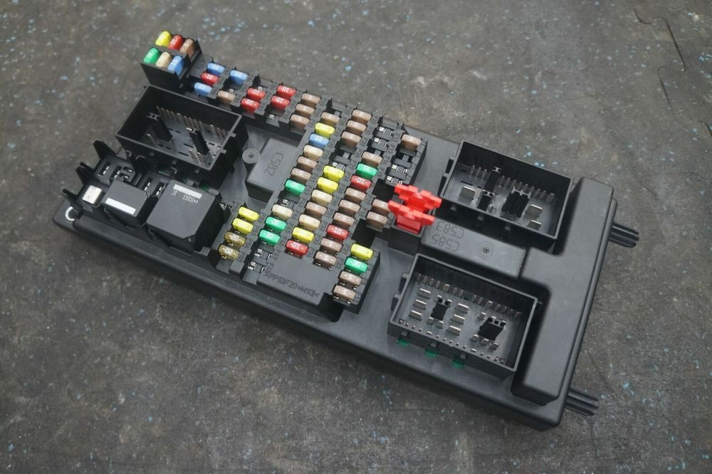 medium resolution of body processor computer control module fuse box c2d20176 oem jaguar xj