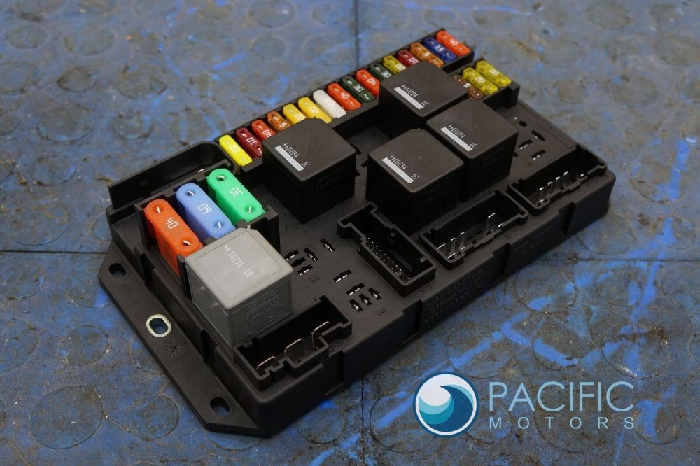 medium resolution of rear quarter fuse box block aw9314a073bc jaguar xj xjl x351 2011