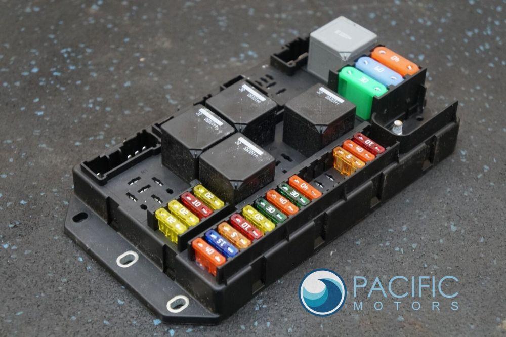medium resolution of rear quarter trunk fuse box relay block c2d2465 aw9314a073bc jaguar xj xjl 2011