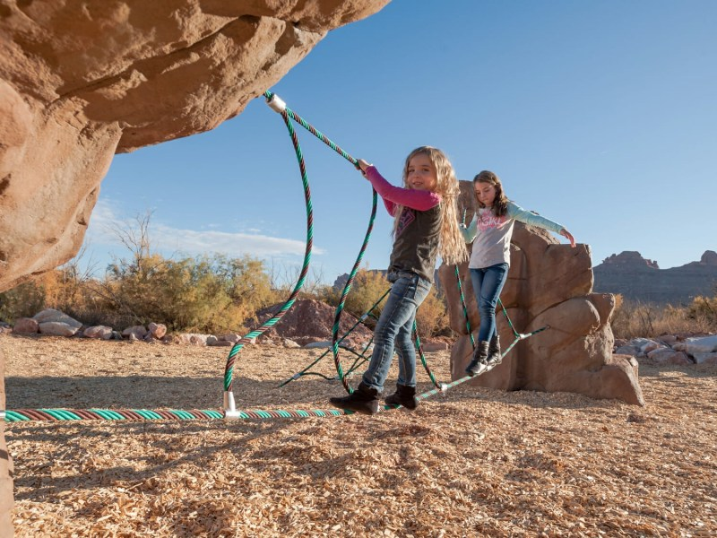 boulder-climbing-play