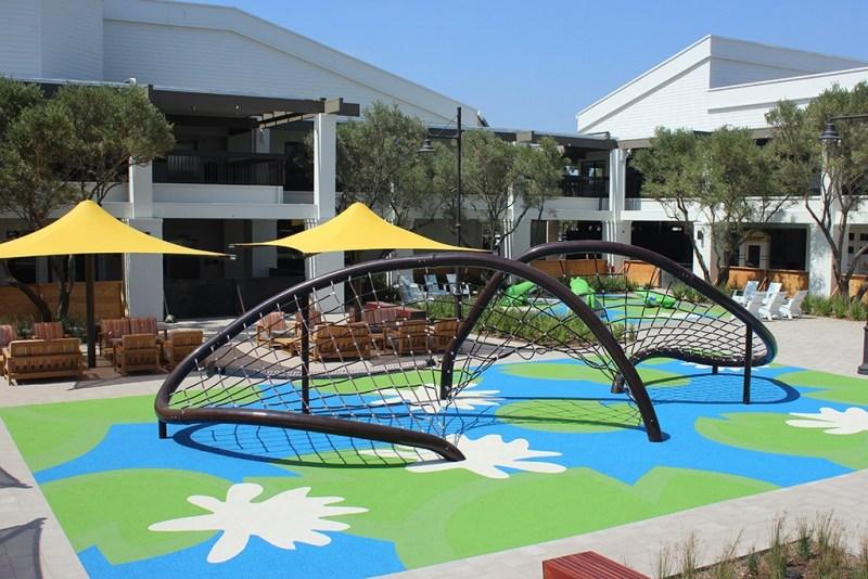 rope net playground shopping center