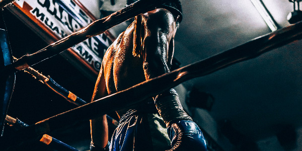 muay thai fighter preparing for bout as a symbol of injury insurance in thailand