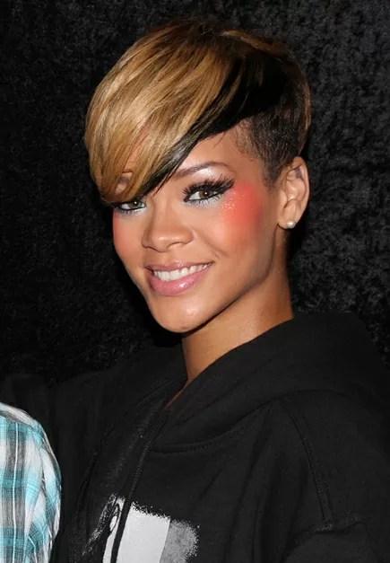 Rihanna_2010_Paris