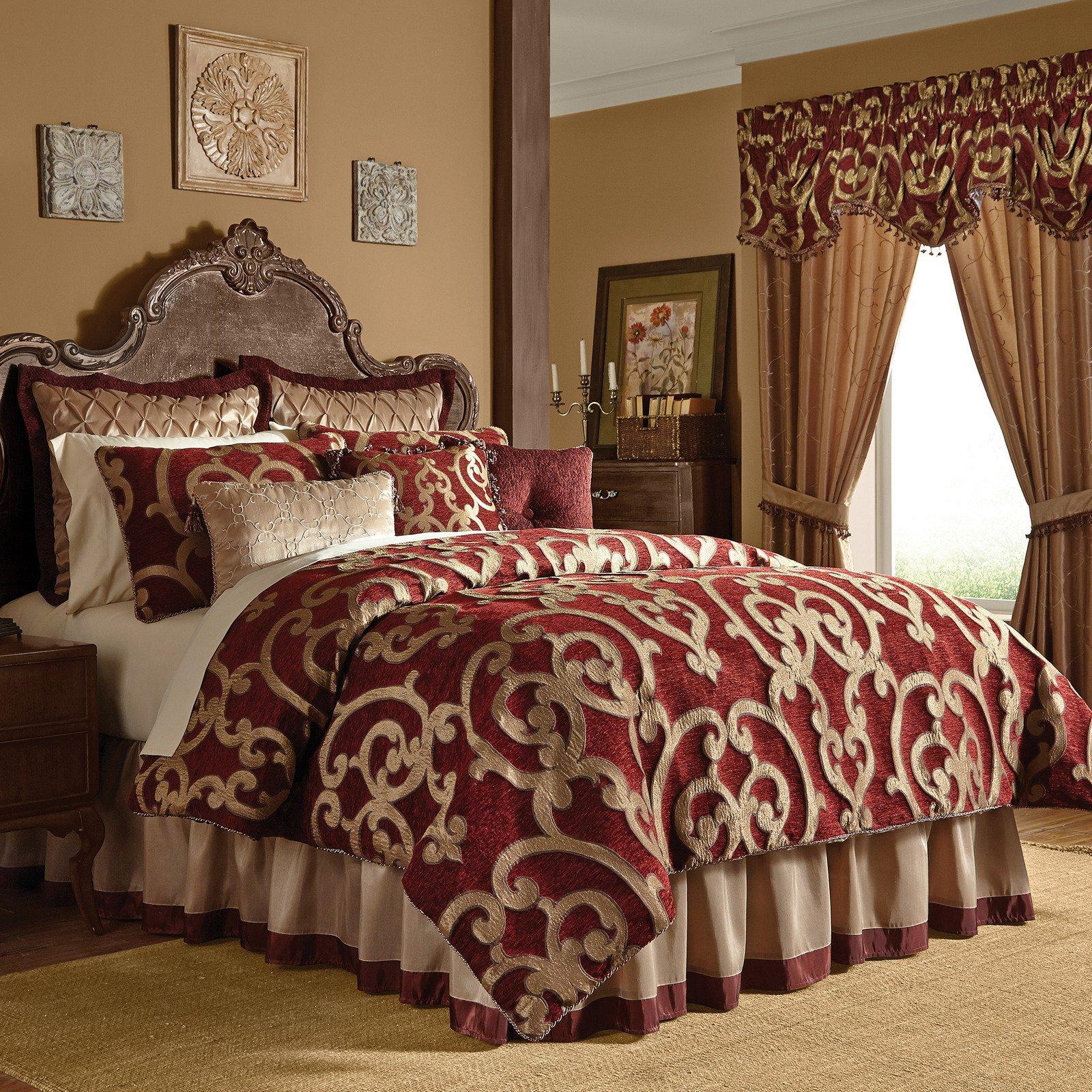 Red Comforter Set In King Or Queen