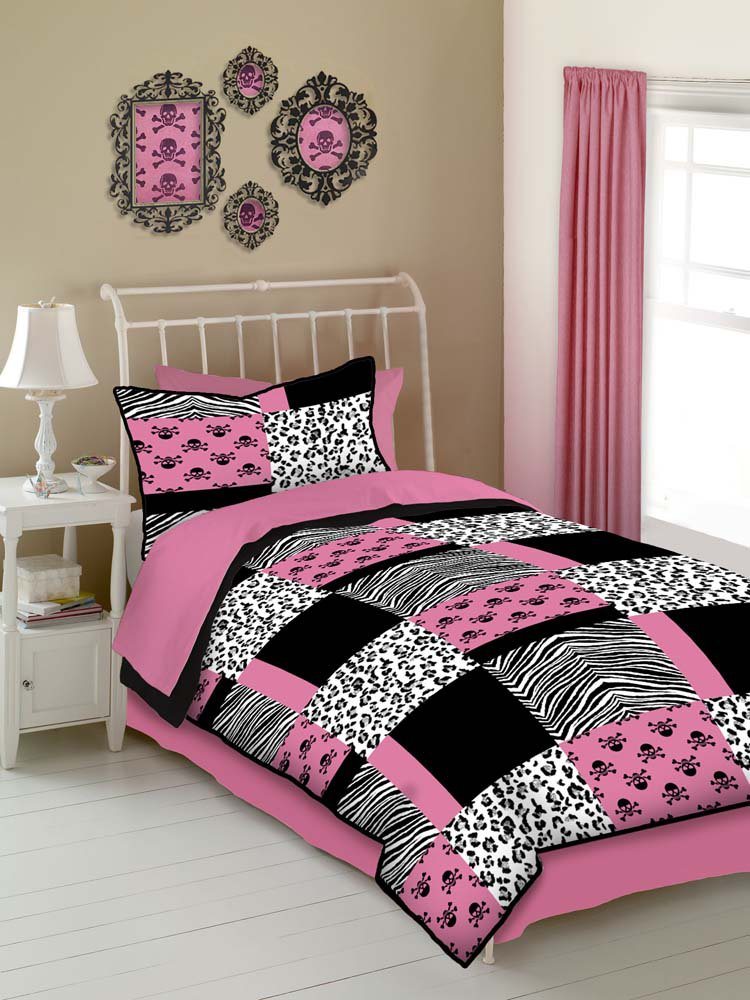 Pink Skulls 4PC Full Comforter Set Pink