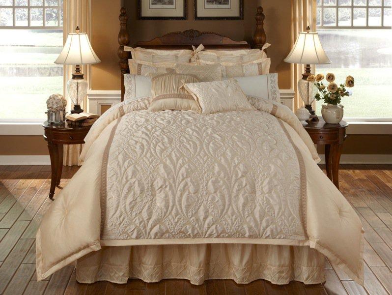 Spumante 4PC Queen Comforter Set Cream