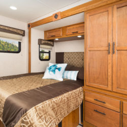Jayco2017_Melbourne24L_BedRoom