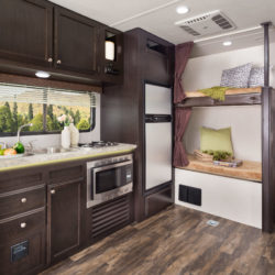 Jayco2017_Octane272SL_GalleyBunks