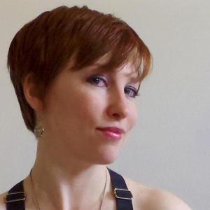 Author Lynsey G's Bio pic