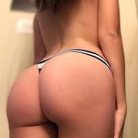 Pack De Slut Jovencita Culona Y Tetona Se Muestra Completamente Desnuda