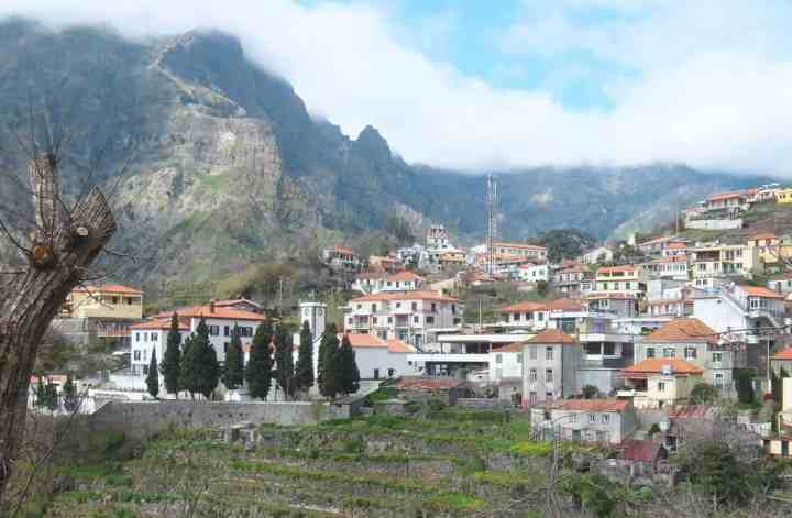 A day trip to the Valley of the Nuns (Curral das Freiras), Madeira | PACK THE SUITCASES
