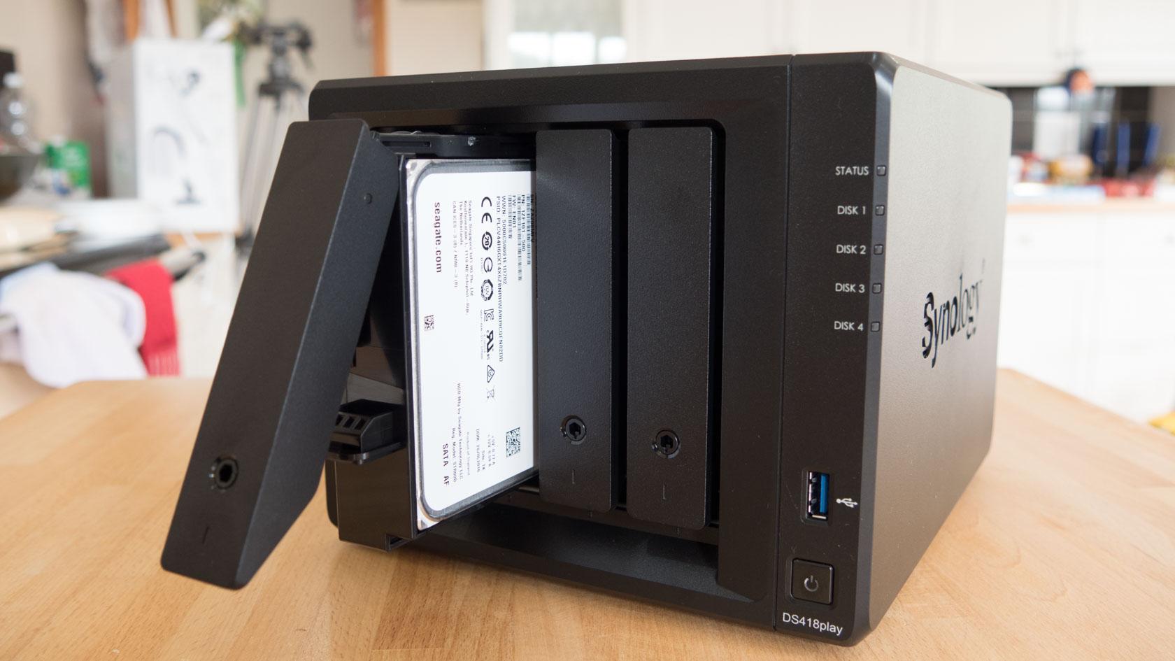 Cómo instalar una NAS Synology DS418