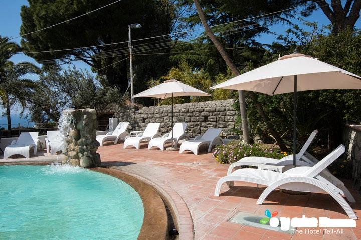 main-pool--v12528815-720