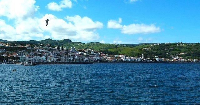 Escapadinha de 4 Dias na Ilha Terceira com Voos + Hotel: Só 47€