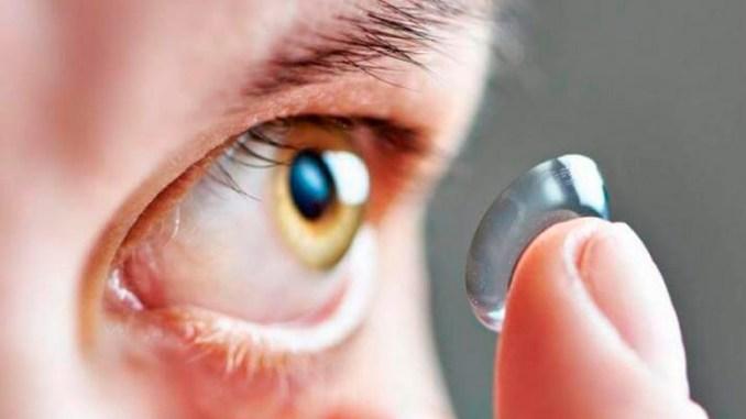 Una joven queda ciega de un ojo por un parásito presente en el agua de la llave