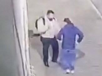 Transeúnte enfrenta a ladrón armado en la Miguel Hidalgo #VIDEO
