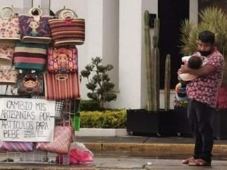 Apoyan a familia de artesanos cambiaba sus productos por artículos para su bebé
