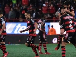 Reportan 30 casos positivos de Covid-19 en club deportivo de Xolos de Tijuana