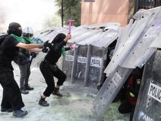 Se viraliza carta de mujer policía a feministas