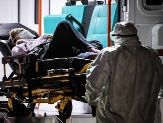 Conductor de ambulancia viola a joven con Covid-19 durante su traslado al hospital