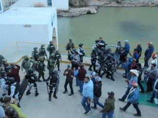 Campesinos y Guardia Nacional se enfrentan por agua en la presa La Boquilla