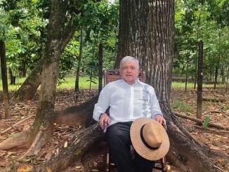 López Obrador recomienda a calderón salir a las calles a protestar por negativa de registro a su partido #VIDEO
