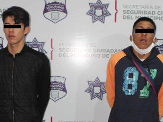 Jóvenes despojan de celulares a pasajeros de una combi de transporte público en Puebla, hay tres detenidos #VIDEO