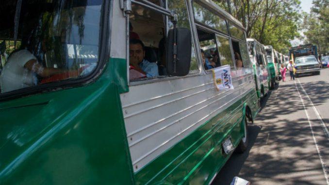 Exigiendo condonaciones y prórrogas, microbuseros amenazan con realizar bloqueos en 9 puntos de capital