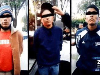 Policías detienen a 3 sujetos que robaron una tienda en la colonia Tacuba #ElQueLaHaceLaPaga