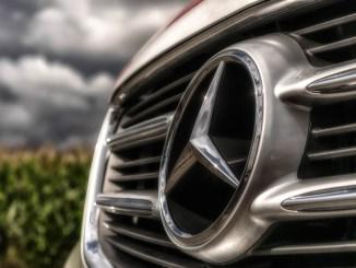Mercedes Benz es multada con mil 500 mdd por irregularidades en las pruebas de emisiones