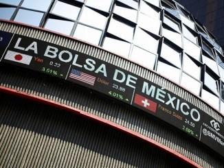 Peso y Bolsa Mexicana caen ante avance de coronavirus