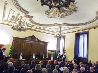 El Vaticano procesa a dos sacerdotes por abuso sexual