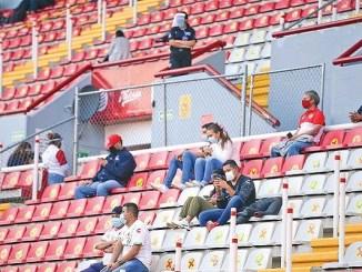 Tras cuatro meses, regresa la afición al Estadio Victoria