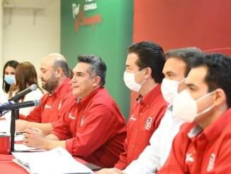 El presidente nacional del PRI, Alejandro Moreno, celebró que su partido se haya perfilado como el triunfador en los comicios de Coahuila e Hidalgo