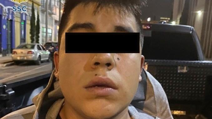 Tras balacera nocturna, joven de 19 años es detenido en la Morelos con una subametralladora