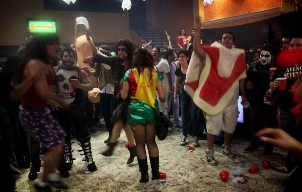 Cancelan en Ecatepec 240 fiestas de Halloween y dispersan a más de 11 mil asistentes