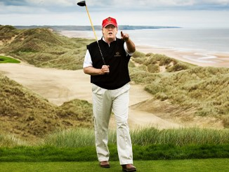 Trump sigue sin reconocer derrota y regresa a jugar golf