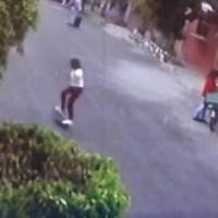 A punta de pistola, asaltan a niños en calles de Valle de Chalco #VIDEO